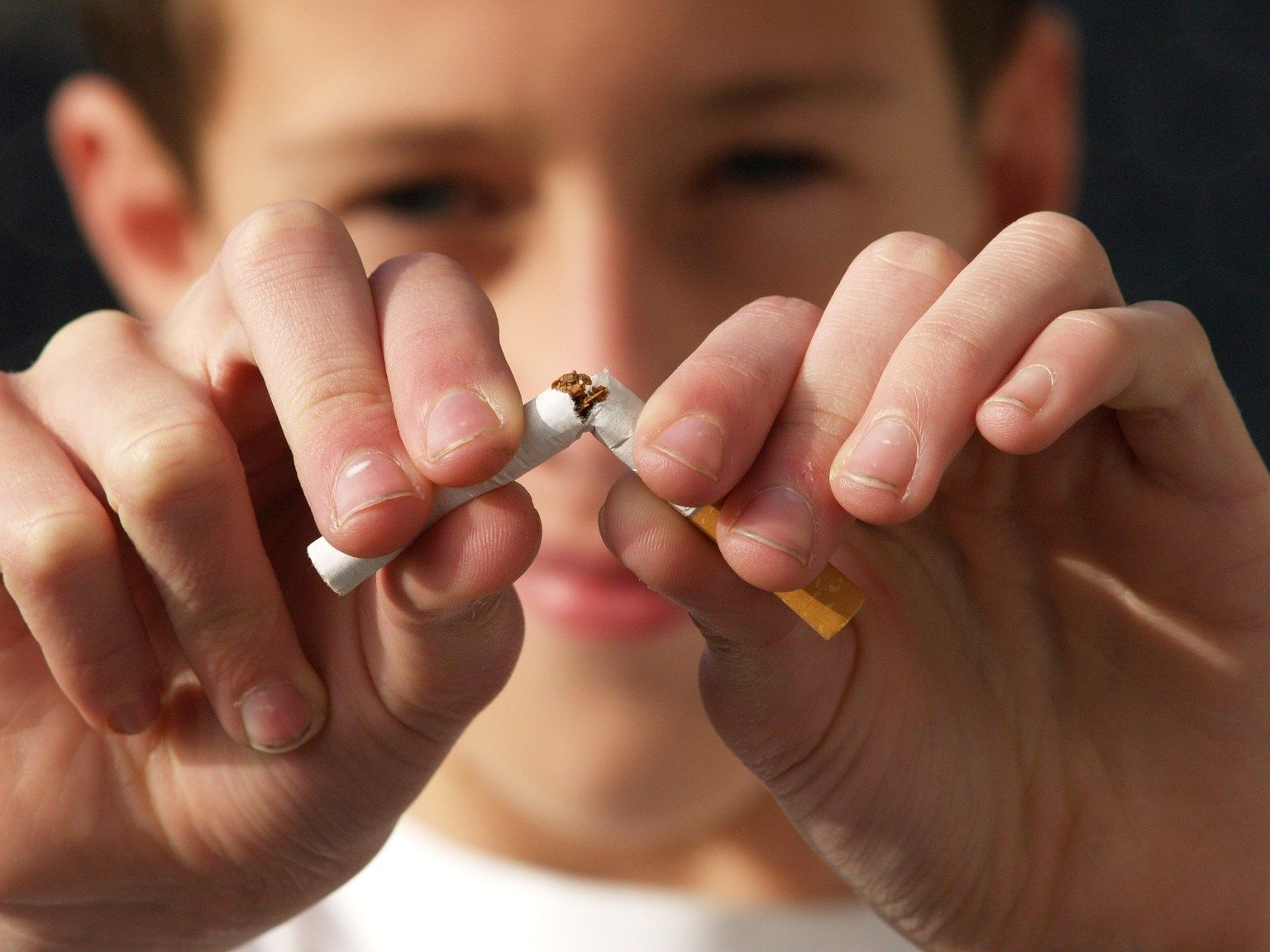 How to Stop Smoking in 8 Easy Tips